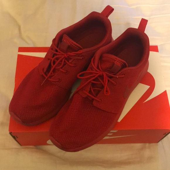 best website 300f4 cee36 Nike roshe one varsity red *super rare*